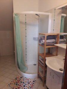 Sprchový kout v apartmánu