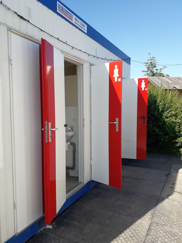 Almdorado záchody